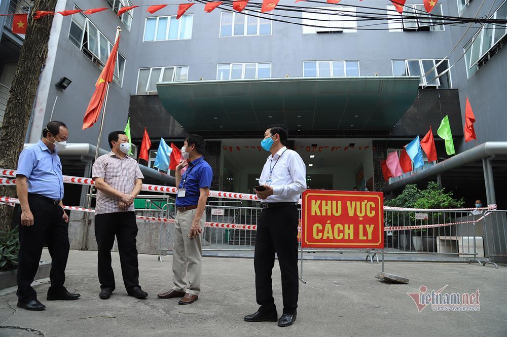 Hà Nội: Phong tỏa khu dân cư phố Lê Văn Lương và Nguyễn Lương Bằng-1