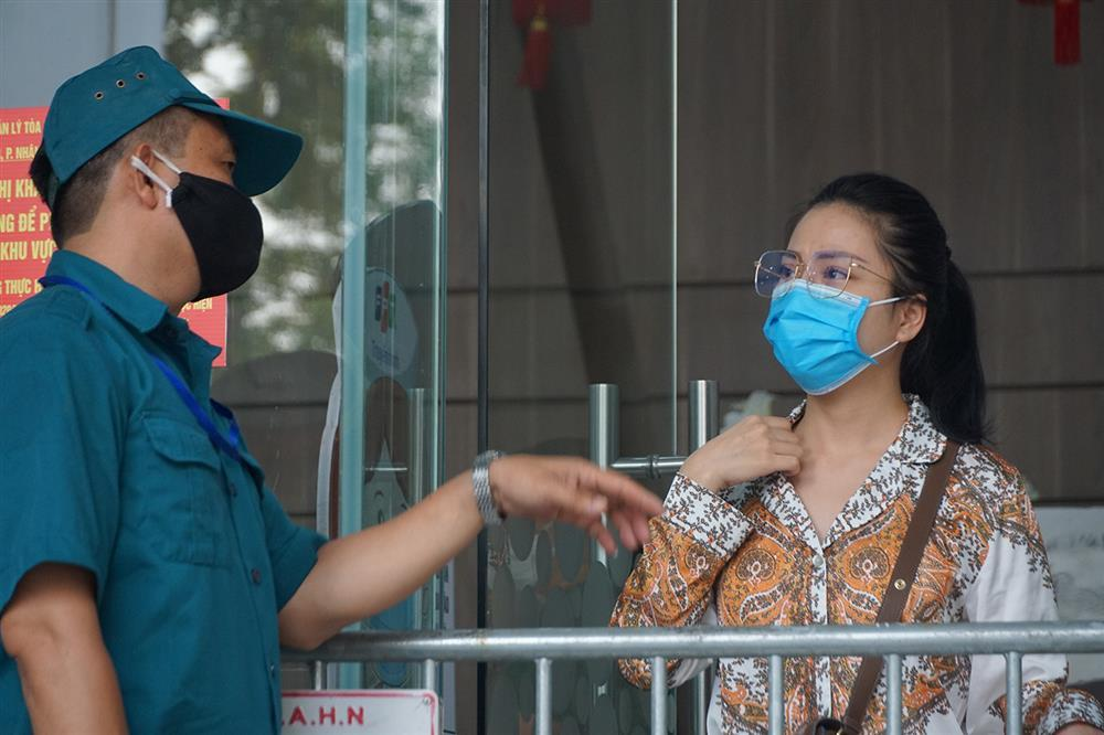 Hà Nội: Phong tỏa khu dân cư phố Lê Văn Lương và Nguyễn Lương Bằng-12