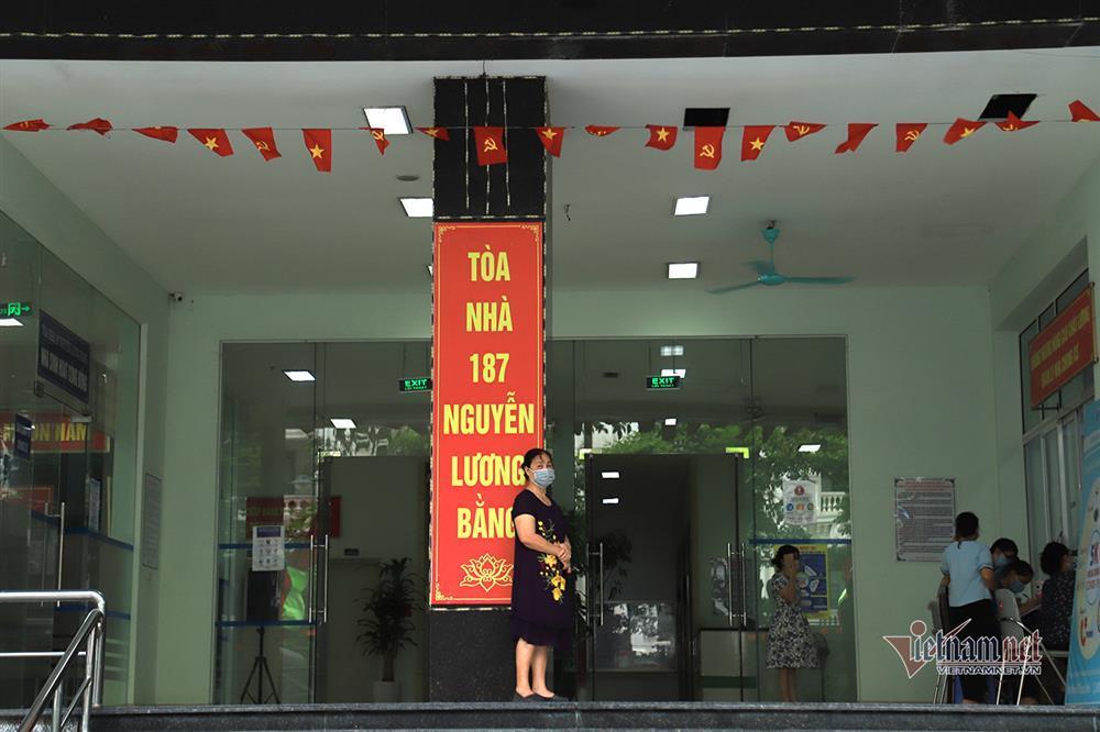 Hà Nội: Phong tỏa khu dân cư phố Lê Văn Lương và Nguyễn Lương Bằng-4