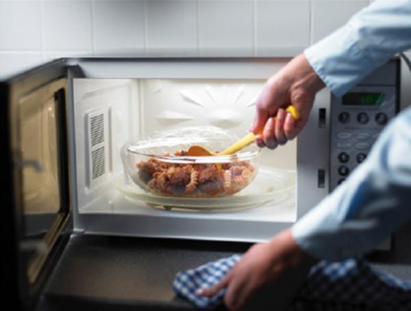 Những sai lầm trong việc bảo quản thực phẩm ngày hè khiến đồ ăn nhanh bị ôi thiu-1