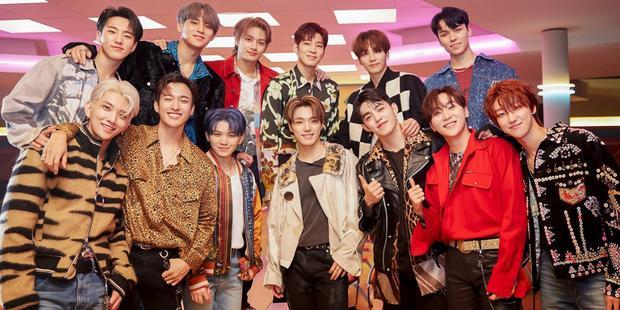 Chưa kịp dứt duyên BTS, TWICE lại comeback trùng nhóm nam Big Hit khác-15