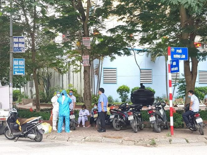 Phong tỏa quán phở ở Văn Quán liên quan đến ca dương tính SARS-CoV-2-2