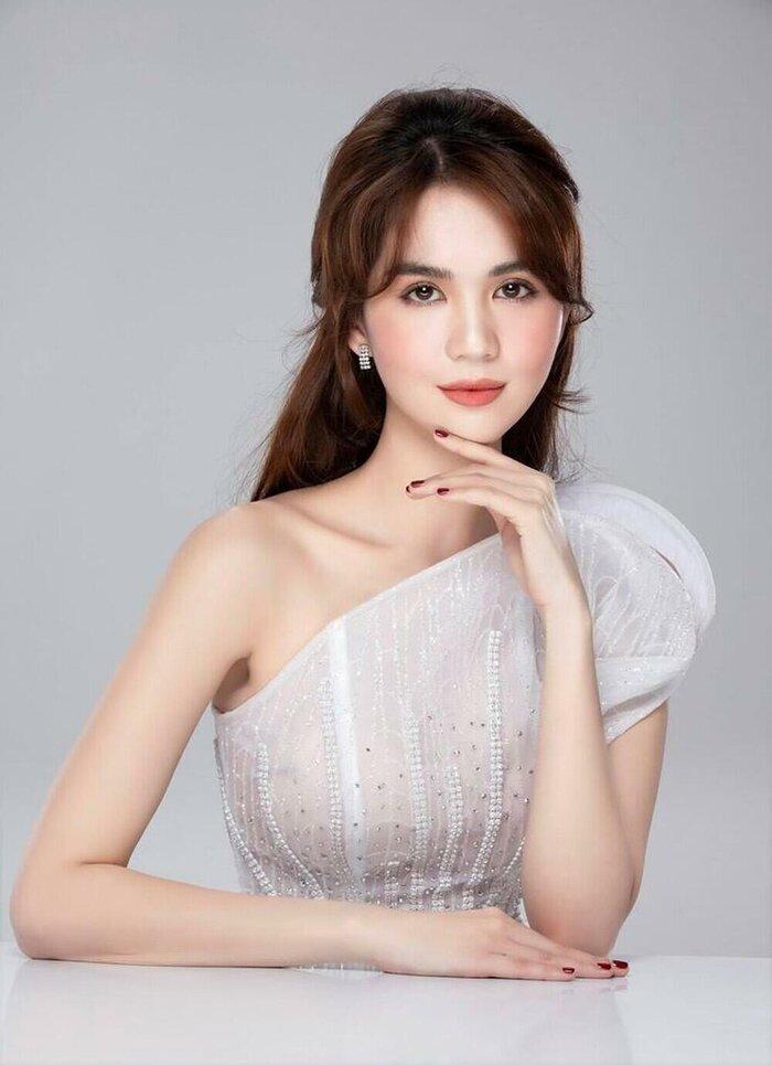 Ngọc Trinh cover hit Ưng Hoàng Phúc - Thu Thủy, giọng hát tiến bộ bất ngờ!-1