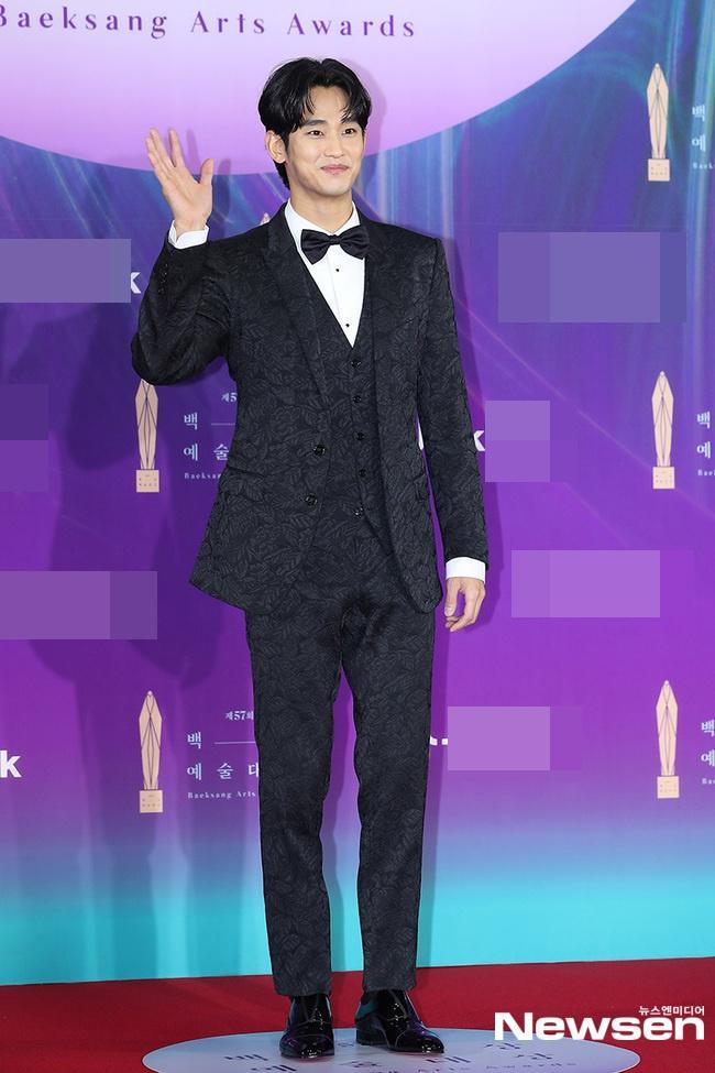 Dàn sao khủng nô nức váy áo đổ bộ Baeksang Arts Awards 2021-5