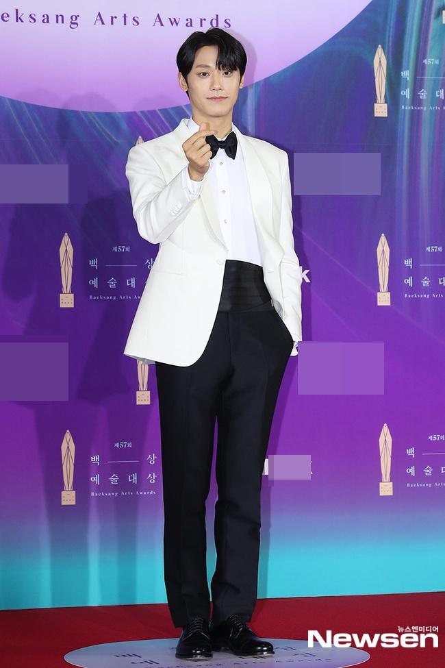 Dàn sao khủng nô nức váy áo đổ bộ Baeksang Arts Awards 2021-9