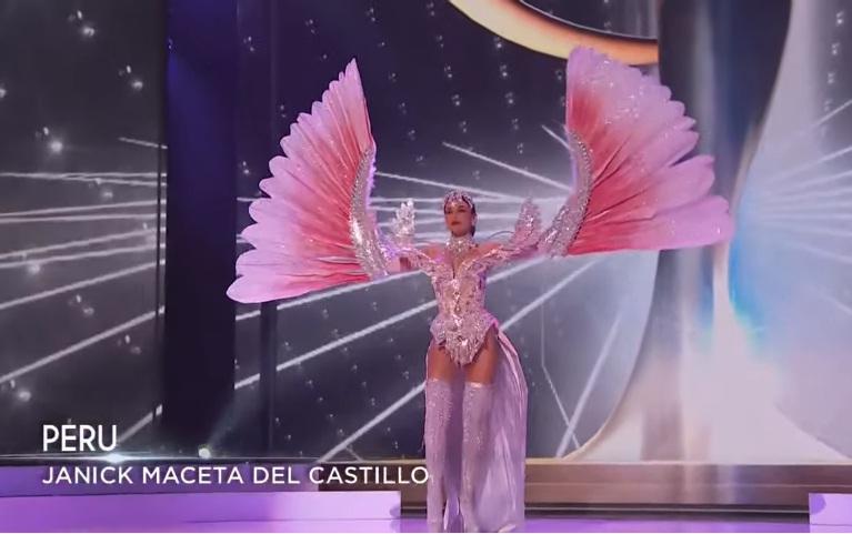 Khánh Vân diễn quốc phục Kén Em xuất sắc tại Miss Universe 2020-12