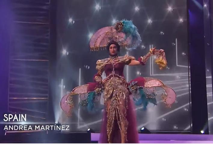 Khánh Vân diễn quốc phục Kén Em xuất sắc tại Miss Universe 2020-9