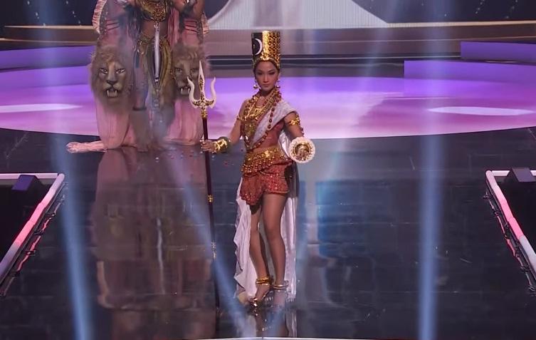Khánh Vân diễn quốc phục Kén Em xuất sắc tại Miss Universe 2020-23