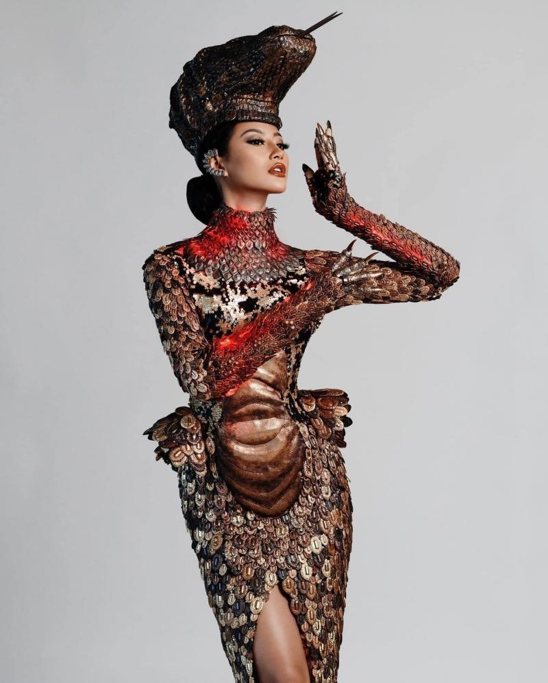 Top 10 trang phục dân tộc xuất sắc nhất Miss Universe-3
