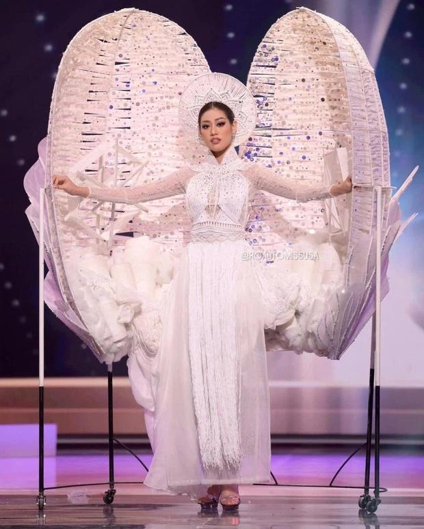 Pha xử lý đi vào lòng người của Khánh Vân khi Kén Em gặp sự cố tại Miss Universe-4