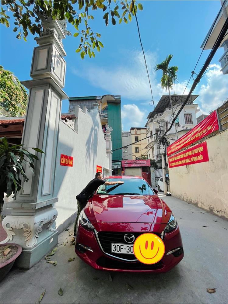 Tranh cãi vợ chồng MC Hoàng Linh hồn nhiên lau chùi xe nơi chốn tâm linh-3