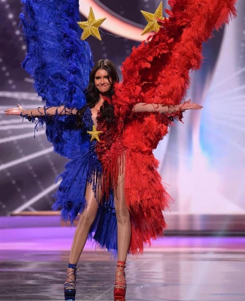 Miss Universe Catriona Gray bị chỉ trích vì loại thẳng quốc phục Philippines-5