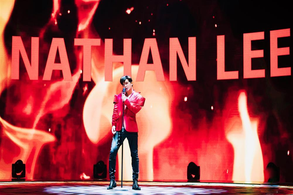 Nathan Lee chiều fan nhất quả đất, mở cuộc thi hát dở vì hát dở rất kute-1