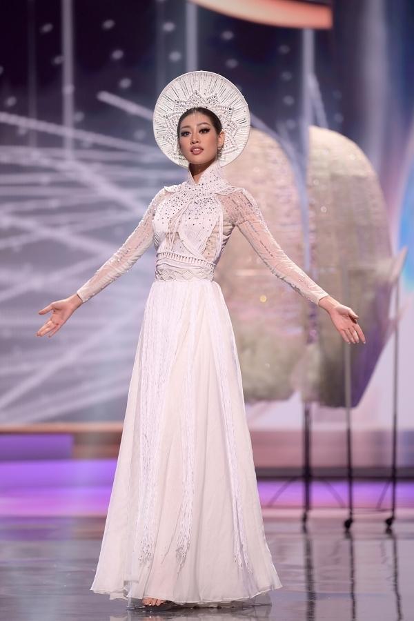 Trang phục dân tộc của Khánh Vân được đánh giá cao-2