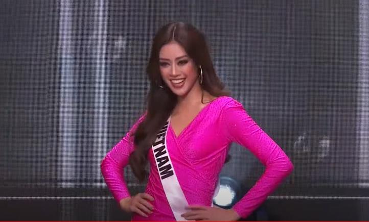 Khánh Vân diện đầm quả thanh long gây tranh cãi mở màn Miss Universe-3