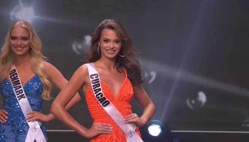 Khánh Vân thi bán kết Miss Universe 2020: Bikini gợi cảm, dạ hội xuất thần-2