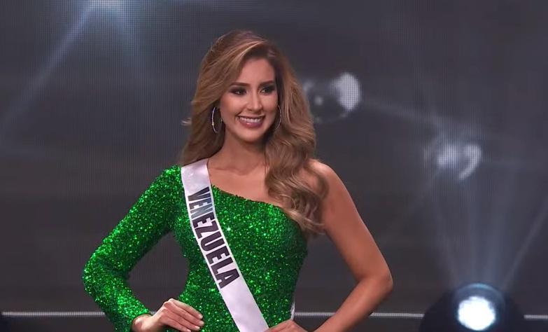Khánh Vân thi bán kết Miss Universe 2020: Bikini gợi cảm, dạ hội xuất thần-8