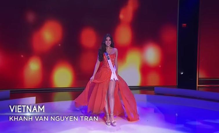 Khánh Vân thi bán kết Miss Universe 2020: Bikini gợi cảm, dạ hội xuất thần-30
