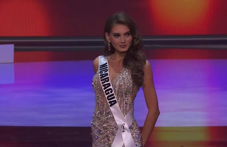 Khánh Vân thi bán kết Miss Universe 2020: Bikini gợi cảm, dạ hội xuất thần-43