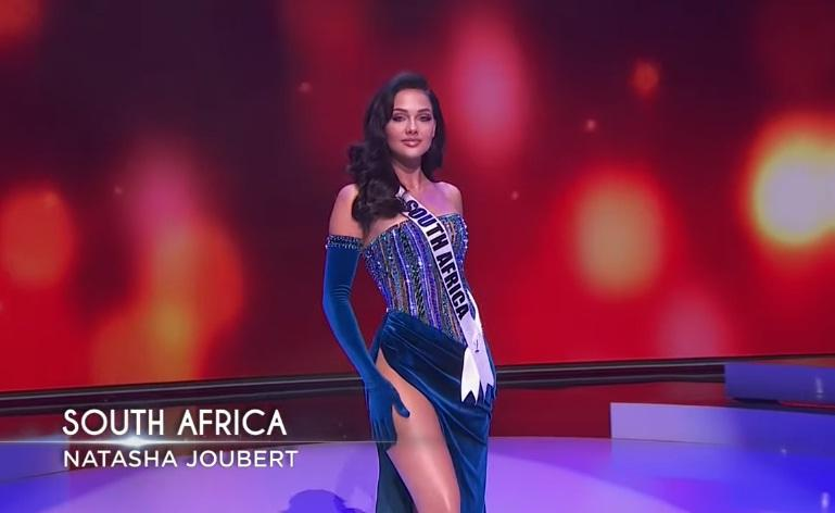 Khánh Vân thi bán kết Miss Universe 2020: Bikini gợi cảm, dạ hội xuất thần-46