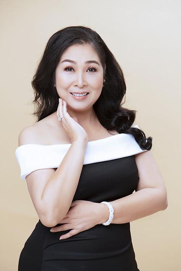 Bà Phương Hằng lên tiếng làm rõ vì nghi ngờ bị NSND Hồng Vân mỉa mai-2