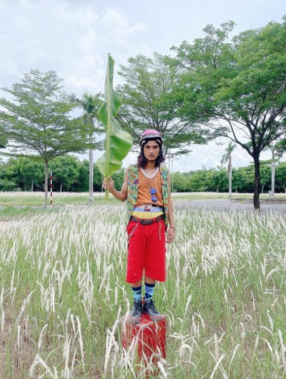 Mạc Văn Khoa cosplay Đen Vâu phong cách cây nhà lá vườn, dân tình được phen cười bò-1