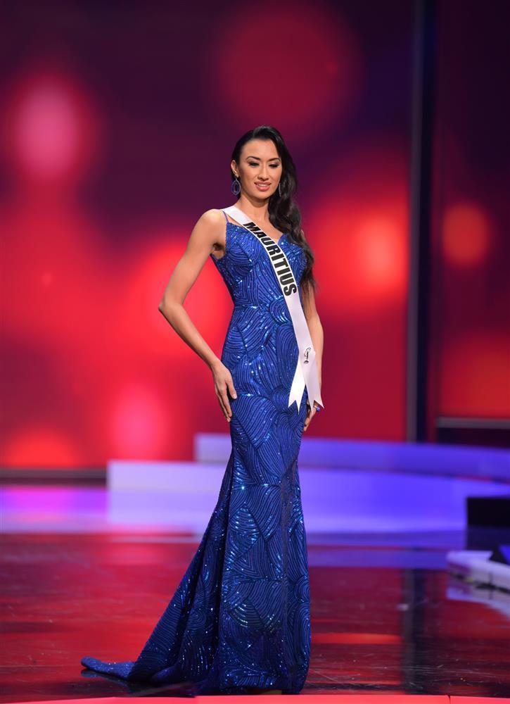 Top 10 trang phục dạ hội đẹp nhất bán kết Miss Universe 2020-13