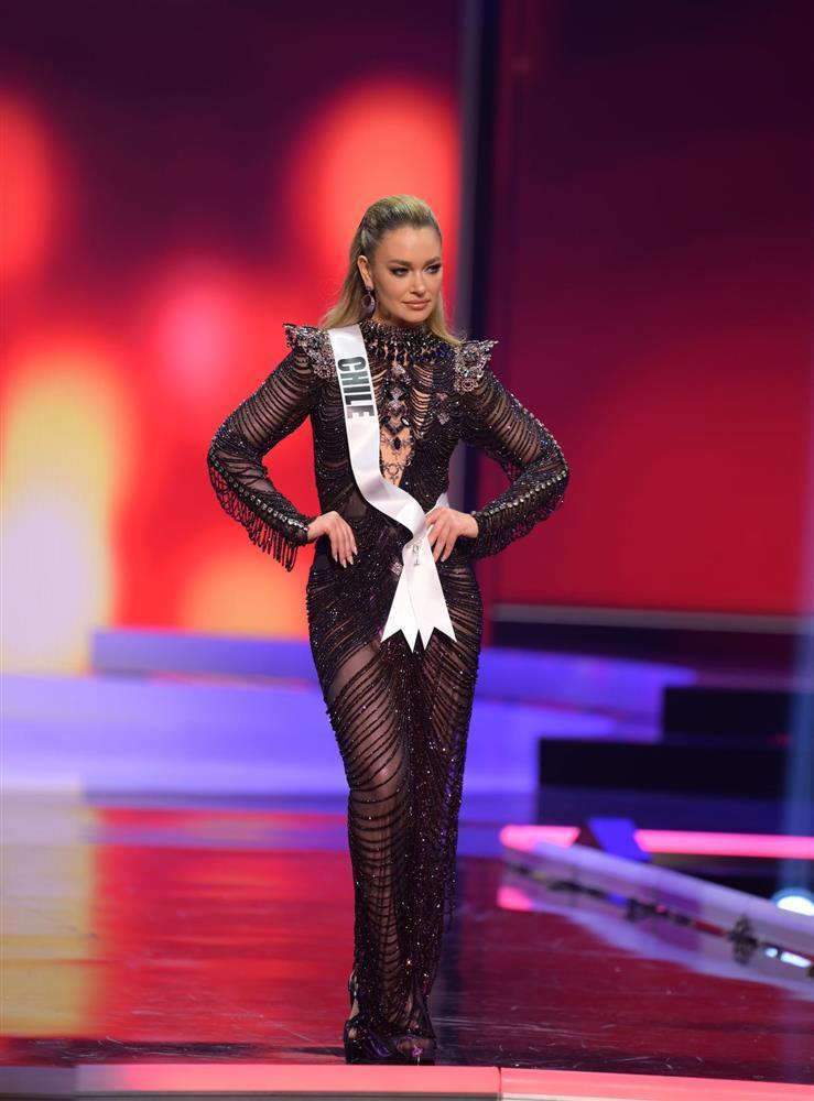 Thí sinh diện váy dạ hội lộ cả nội y ở bán kết Miss Universe-2
