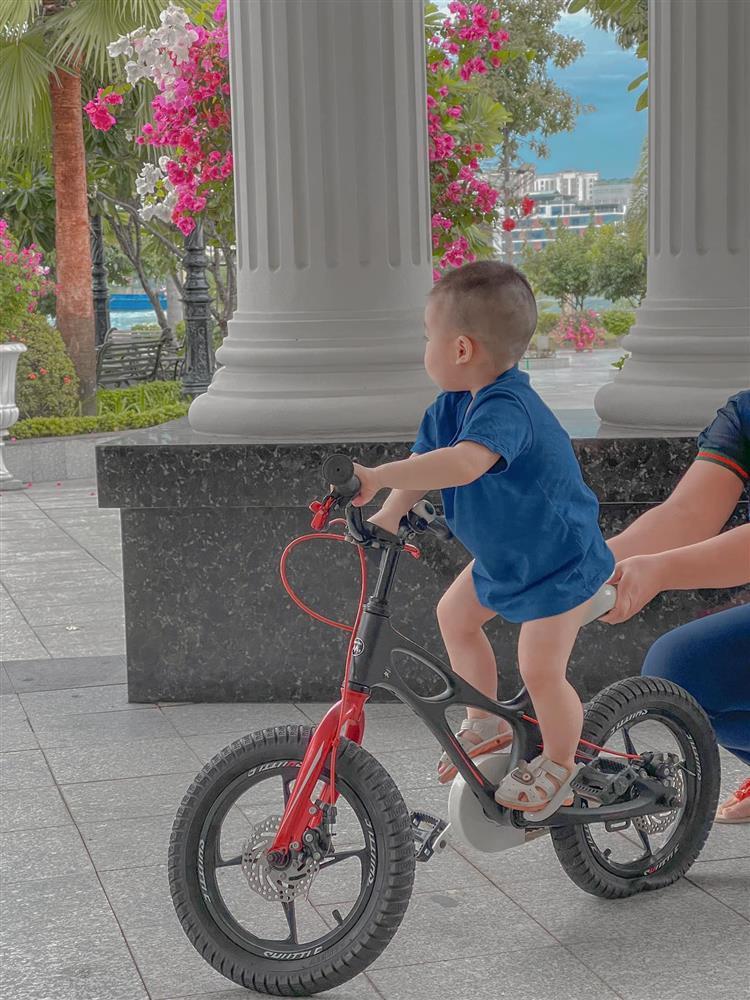 Ngoại hình thay đổi của con trai Lan Khuê khi 1 tuổi rưỡi-1