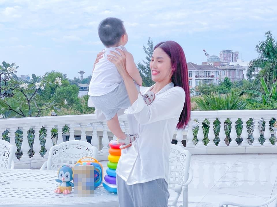 Ngoại hình thay đổi của con trai Lan Khuê khi 1 tuổi rưỡi-4