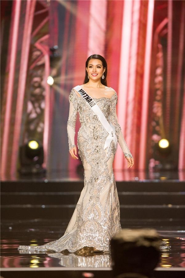 Mỹ nhân Việt thi bán kết Miss Universe: Váy ai đỉnh của chóp?-6