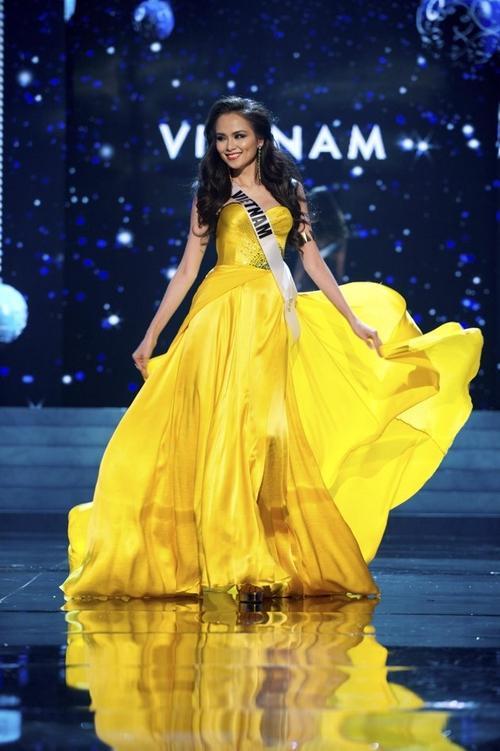 Mỹ nhân Việt thi bán kết Miss Universe: Váy ai đỉnh của chóp?-9