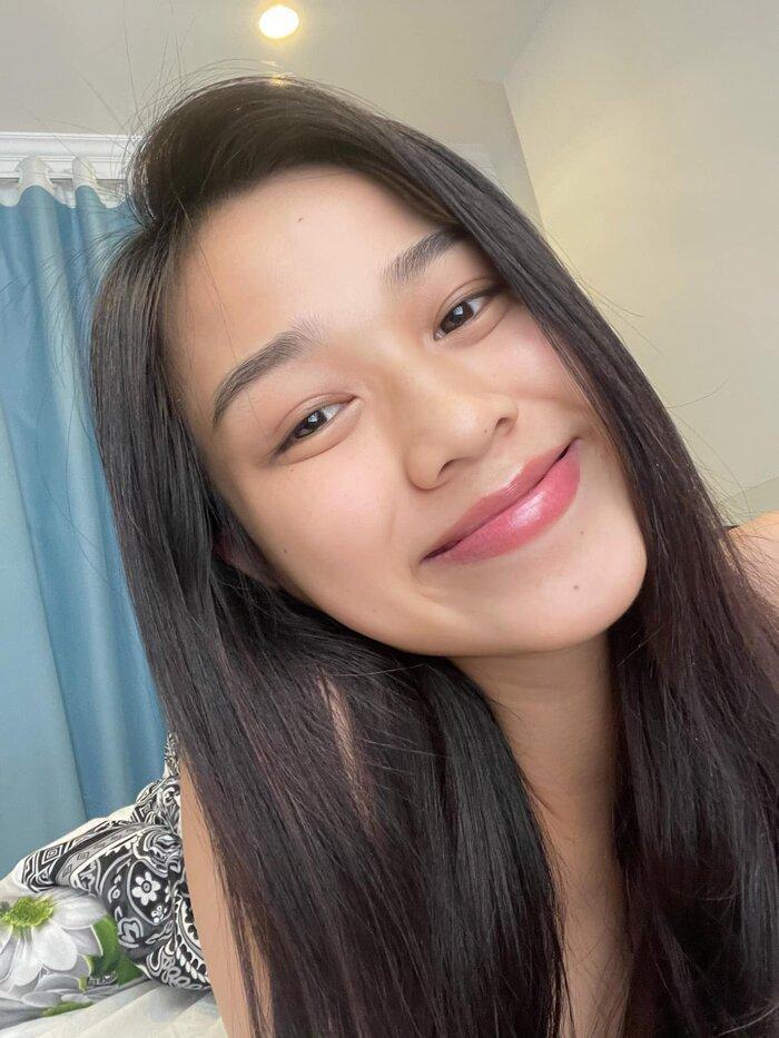 Hoa hậu Đỗ Thị Hà khoe mặt mộc vừa mới ngủ dậy, fan hết lời khen ngợi vì quá xinh đẹp-1