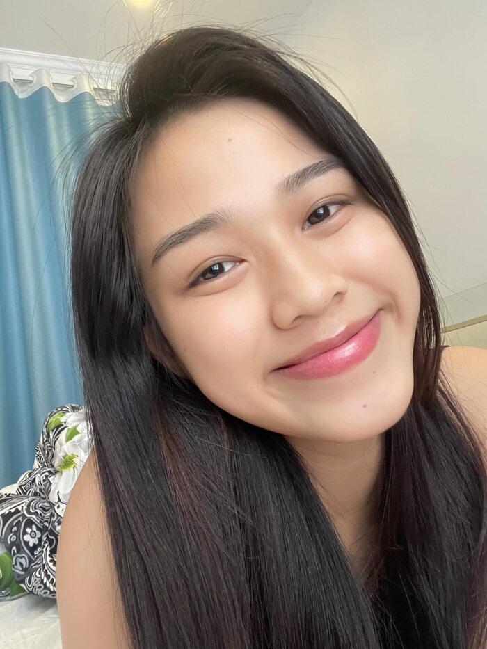 Hoa hậu Đỗ Thị Hà khoe mặt mộc vừa mới ngủ dậy, fan hết lời khen ngợi vì quá xinh đẹp-2