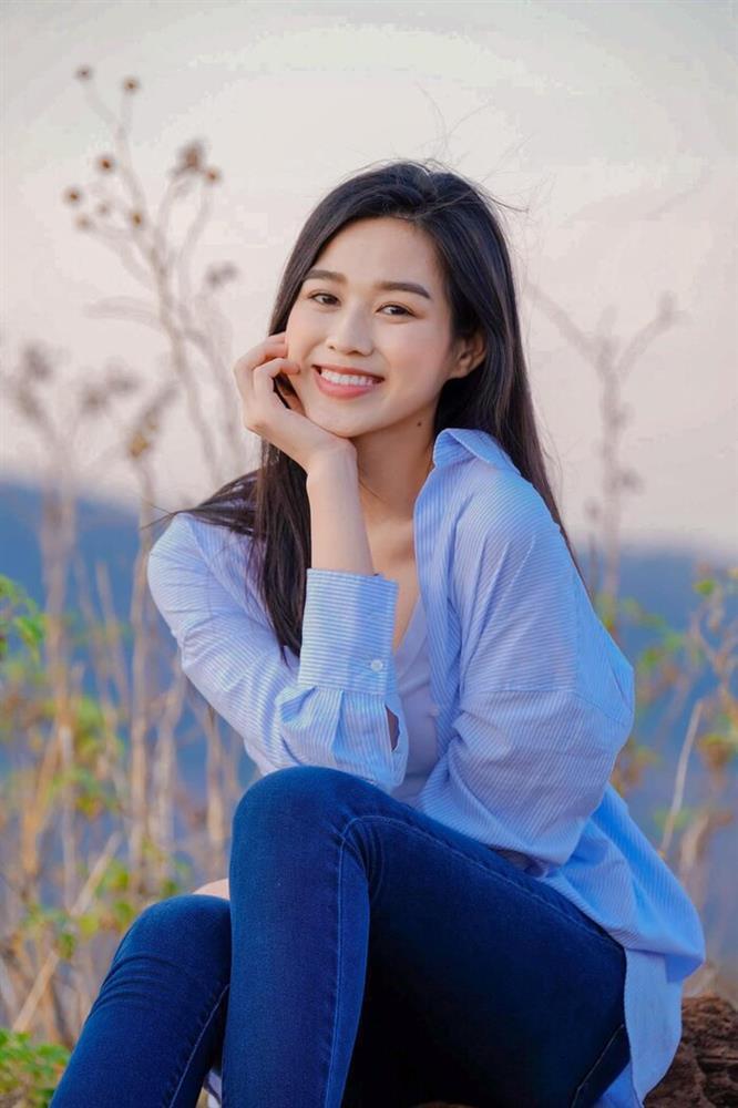 Hoa hậu Đỗ Thị Hà khoe mặt mộc vừa mới ngủ dậy, fan hết lời khen ngợi vì quá xinh đẹp-6