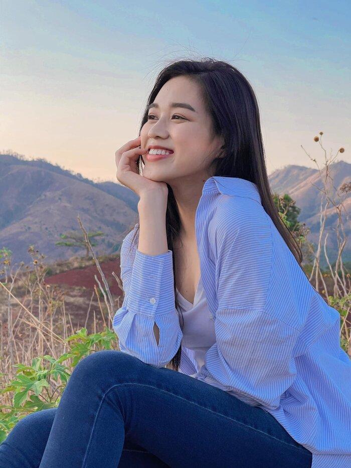 Hoa hậu Đỗ Thị Hà khoe mặt mộc vừa mới ngủ dậy, fan hết lời khen ngợi vì quá xinh đẹp-7