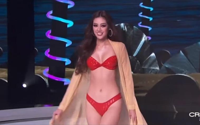 Top 21 thi bikini, Khánh Vân catwalk thiếu lửa-1