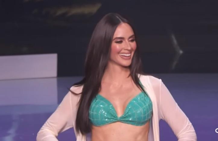 Top 21 thi bikini, Khánh Vân catwalk thiếu lửa-13