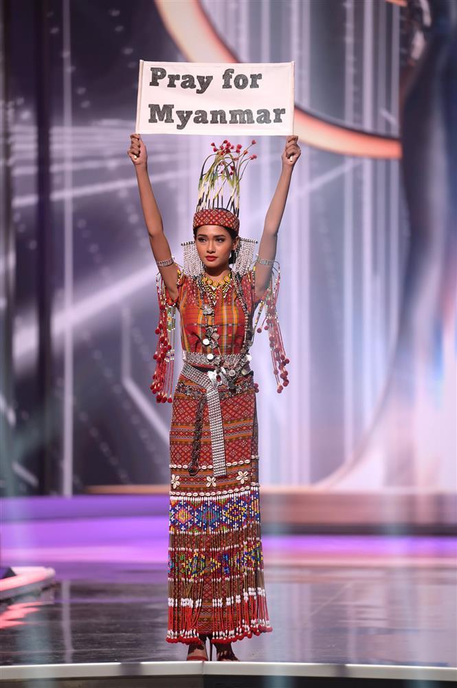 Hoa hậu Myanmar đoạt Best Costume nhờ lời cầu cứu khi mất Quốc phục-1
