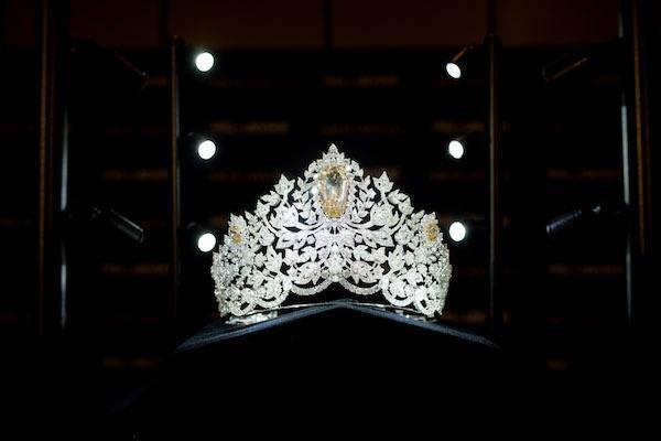 Hoa hậu Hoàn vũ đội vương miện giá 5 triệu USD-2