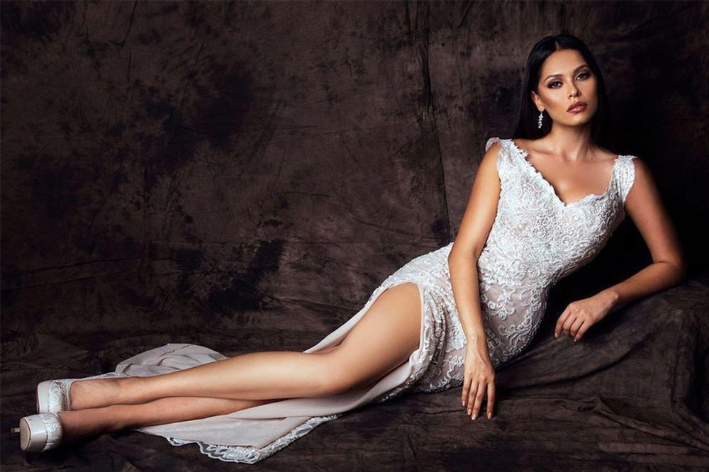 Tân Miss Universe Andrea Meza: Mỹ nhân cằm chẻ, thi đâu thắng đấy-8