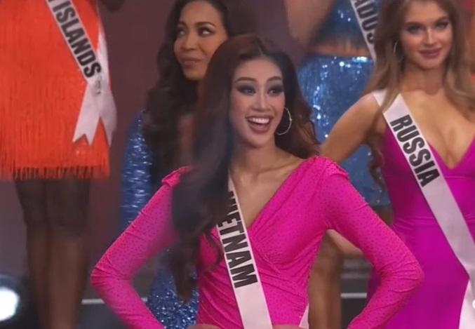 Biểu cảm hiểu chết liền của mỹ nhân dẫn chung kết Miss Universe 2020-2