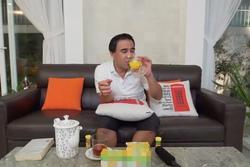 MC Quyền Linh hành động bất ngờ khi bị 'la làng' vì quảng cáo kém chất lượng
