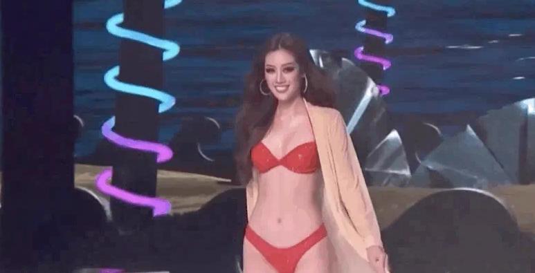 Khánh Vân và top 21 Miss Universer bị dìm hàng phần catwalk vì nhạc cũ mèm?-2