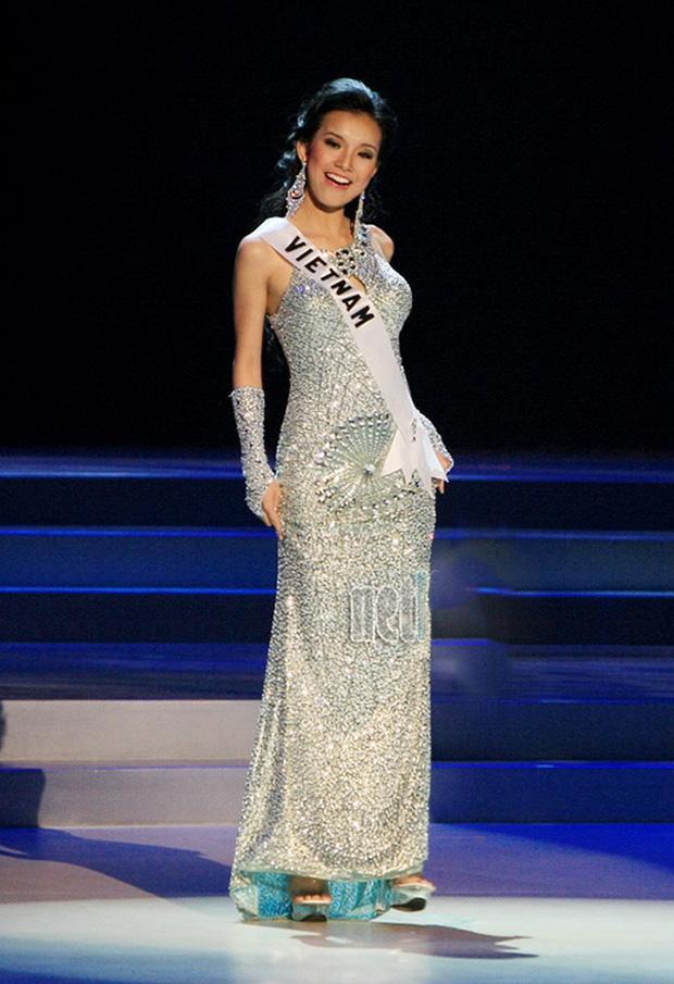 7 chiếc váy đẹp nhất Miss Universe của mỹ nhân Việt: Ai là người nổi nhất?-7