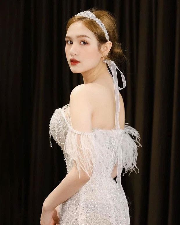 Cô dâu diện váy 28 tỷ chia sẻ bí quyết trẻ đẹp như gái Tây-1