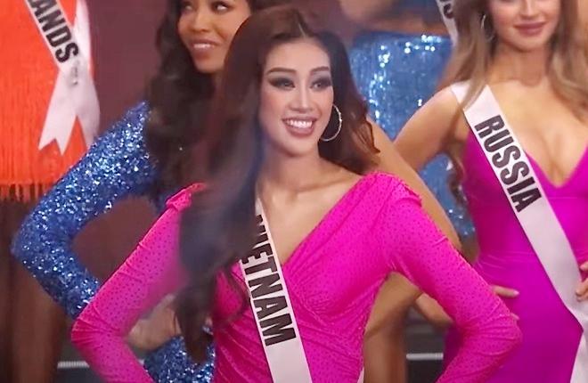 Nữ MC check hàng Hoa hậu Pia Wurtzbach trên sóng truyền hình-6
