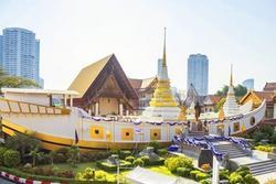 Ngôi chùa hình con thuyền khổng lồ ở Thái Lan