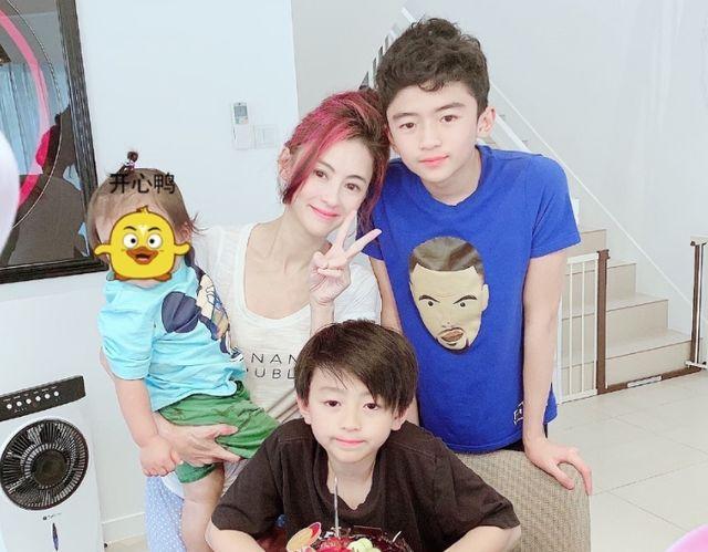 Trương Bá Chi mắng con trai 10 tuổi nơi công cộng-5