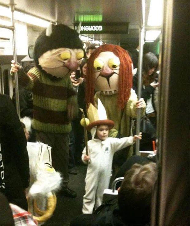 Những hình ảnh chứng minh tàu điện ngầm là nơi điều gì cũng có thể xảy ra-9